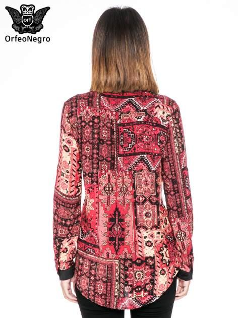 Różowa koszula we wzór etno z czarnym kołnierzykiem i mankietami                                  zdj.                                  4