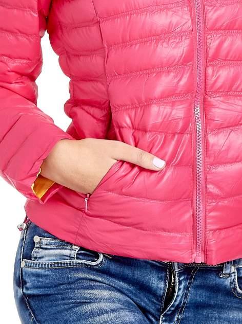 Różowa lekka kurtka puchowa z kapturem                                  zdj.                                  8