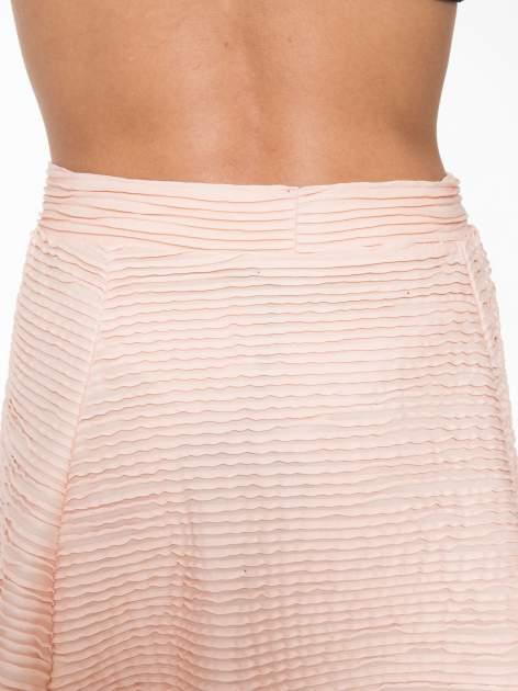 Różowa mini spódnica skater z fakturą                                  zdj.                                  6