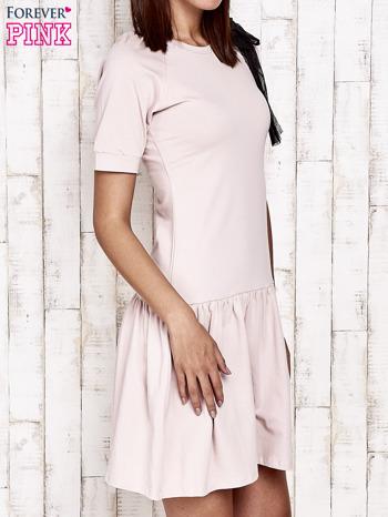 Różowa sukienka dresowa z kokardą z tiulu                                  zdj.                                  3