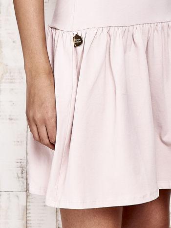 Różowa sukienka dresowa z kokardą z tiulu                                  zdj.                                  6