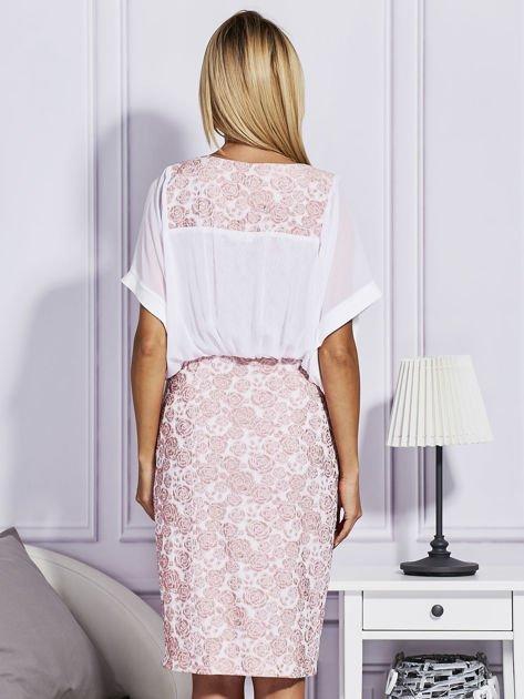 Różowa sukienka z luźnymi rękawami                                   zdj.                                  2