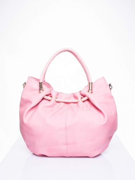 Różowa torebka z plecionymi uchwytami i frędzlami                                  zdj.                                  3
