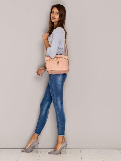 Różowa torebka ze złotymi suwakami                              zdj.                              3