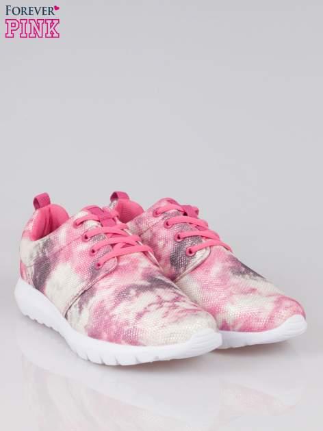Różowe adidasy z motywem exotic print                                  zdj.                                  2