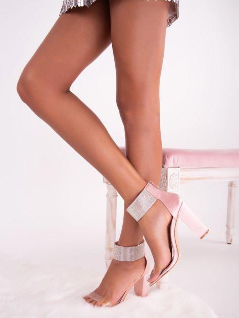 Różowe satynowe sandały z biżuteryjną opaską dookoła kostki                              zdj.                              4