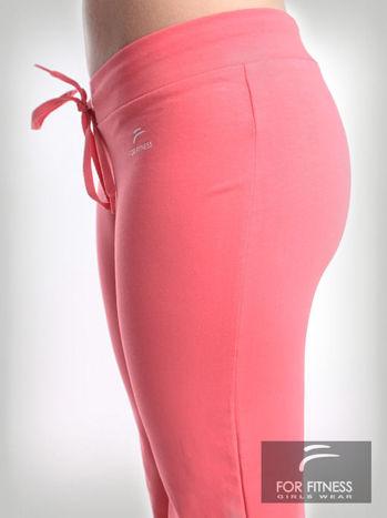 Różowe spodnie dresowe z szeroką nogawką FOR FITNESS                                  zdj.                                  3