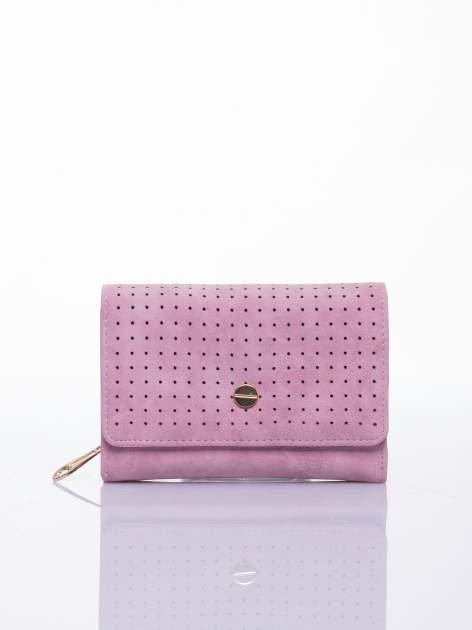Różowy ażurowany portfel ze złotym zapięciem                                  zdj.                                  1