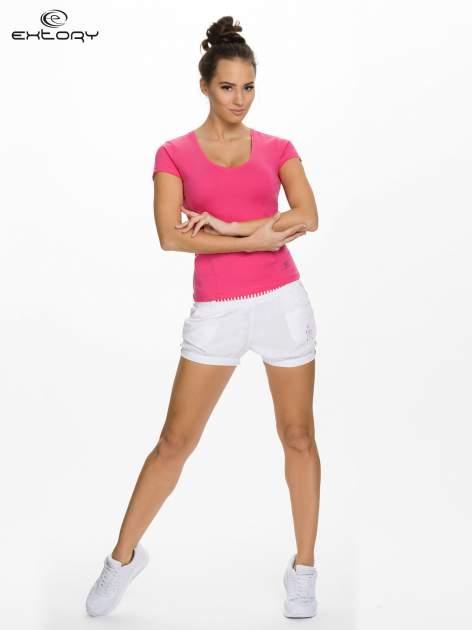 Różowy damski t-shirt sportowy z dekoltem U                                  zdj.                                  2