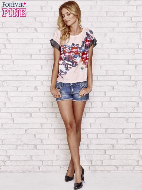 Różowy kwiatowy t-shirt ze skórzanymi rękawami                                  zdj.                                  2