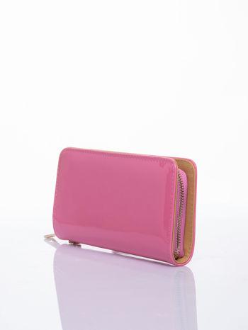 Różowy lakierowany portfel z odpinanym złotym łańcuszkiem                                  zdj.                                  2