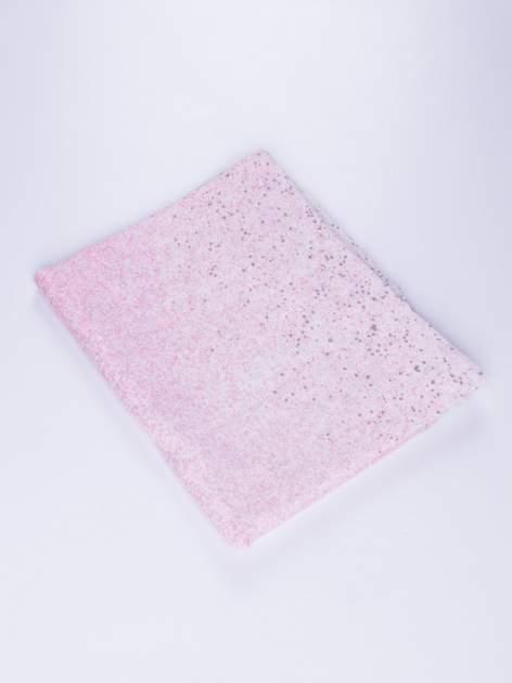 Różowy lekki szal w kropeczki                                  zdj.                                  2