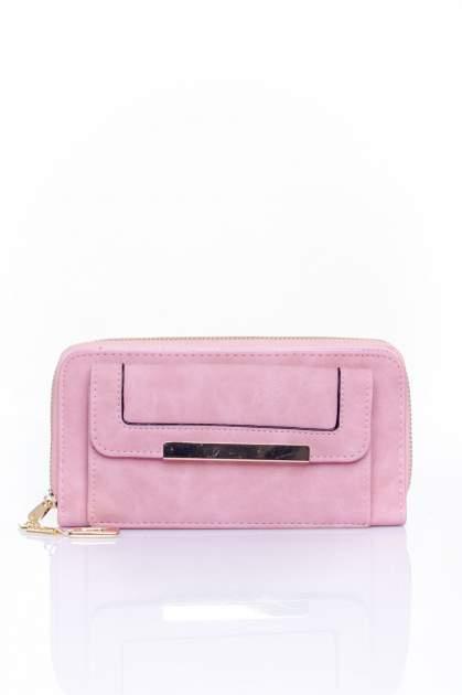 Różowy portfel z kieszonką ze złotym elementem