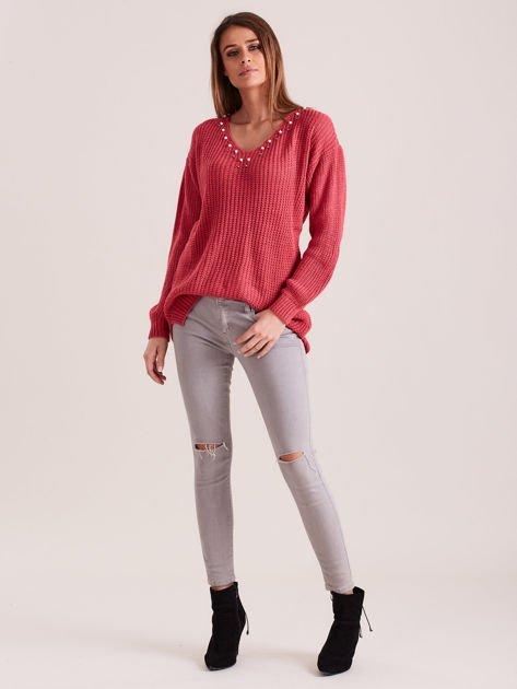 Różowy sweter z perełkami                              zdj.                              4