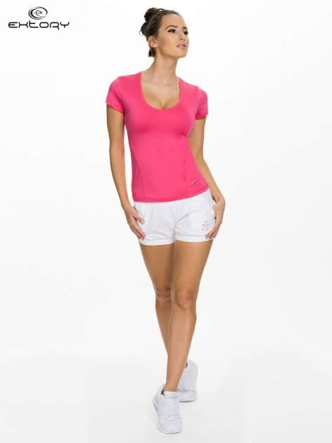 Różowy t-shirt sportowy z dekoltem U                                  zdj.                                  4