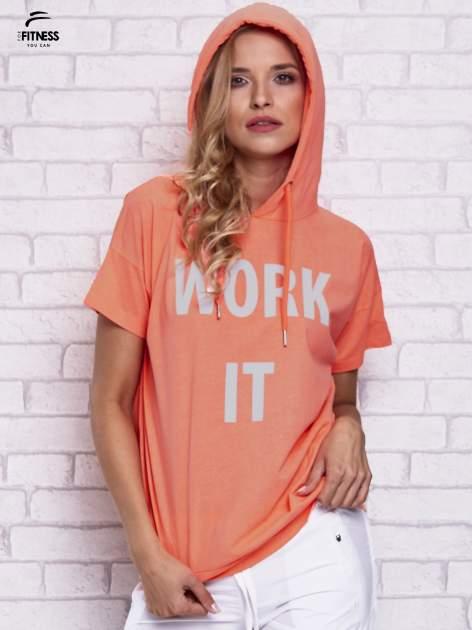 Różowy t-shirt z kapturem i napisem WORK IT                                  zdj.                                  5