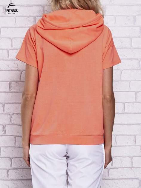 Różowy t-shirt z kapturem i napisem WORK IT                                  zdj.                                  4
