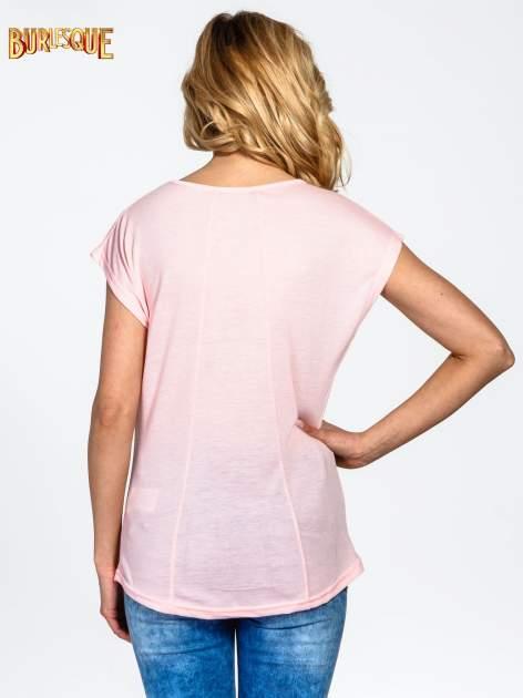 Różowy t-shirt z motywem Paryża                                  zdj.                                  4