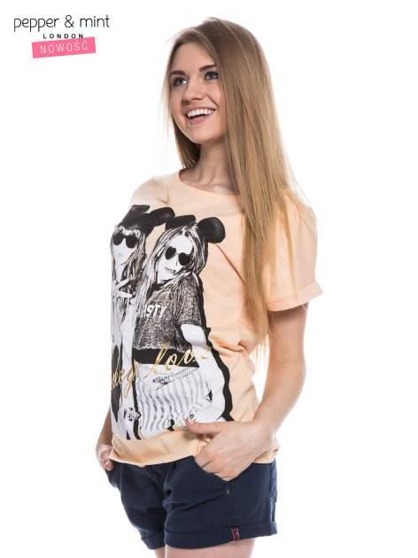 Różowy t-shirt z nadrukiem inspirowanym Mickey Mouse                                  zdj.                                  2