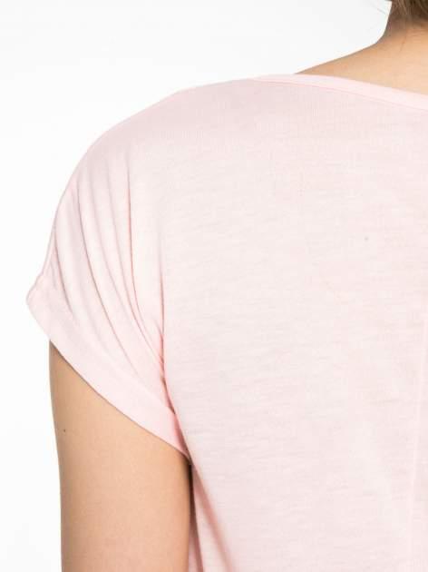 Różowy t-shirt z napisem DO YOU BELIEVE IN LOVE?                                  zdj.                                  8