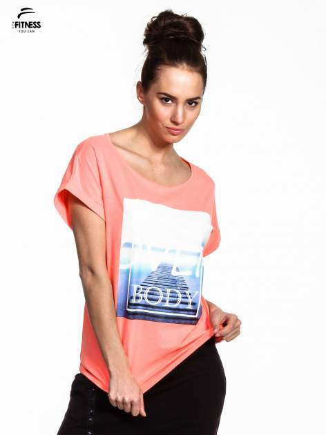 Różowy t-shirt z napisem MIND OVER BODY