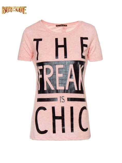 Różowy t-shirt z napisem THE FREAK IS CHIC