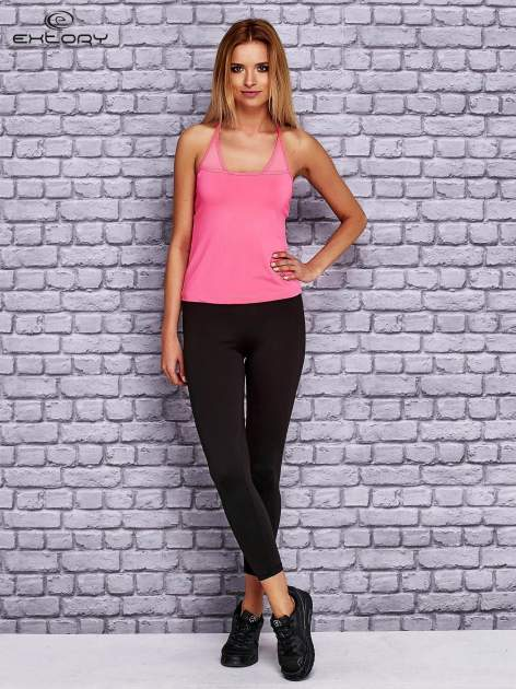 Różowy  top sportowy z siateczką i ramiączkami w kształcie litery T na plecach                                  zdj.                                  2