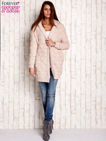 Różowy włochaty sweter z kapturem                                  zdj.                                  2