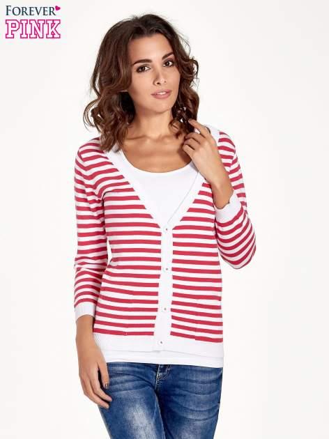 Rozpinany sweter w biało-czerwone paski z kieszonkami po bokach