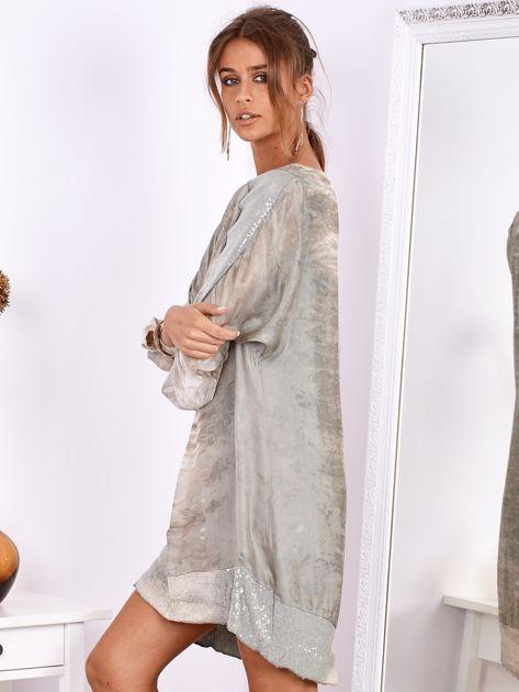 SCANDEZZA Khaki sukienka oversize z cekinami w malarski deseń                              zdj.                              4