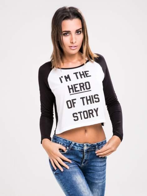 STRADIVARIUS Czarna bluzka z rękawami typu reglan i napisem I'M THE HERO OF THIS STORY                                  zdj.                                  1