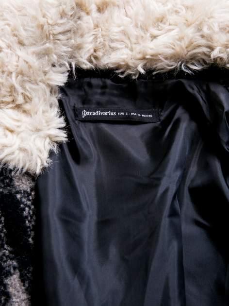 STRADIVARIUS Czarno-szary płaszcz wełniany w kratę z kożuszkiem                                  zdj.                                  3