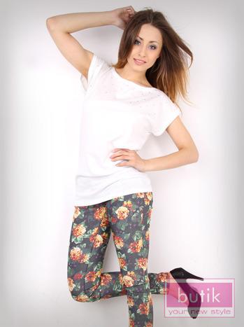 Spodnie w kwiaty                                  zdj.                                  1
