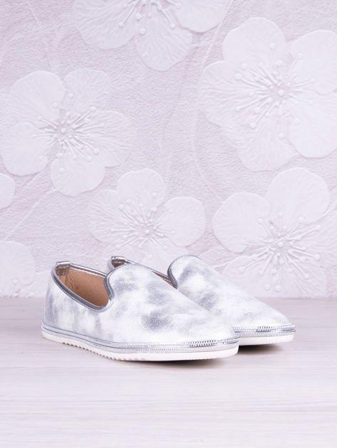 Srebrnobiałe cieniowane baleriny leather Snowflake z jasną podeszwą                                  zdj.                                  2