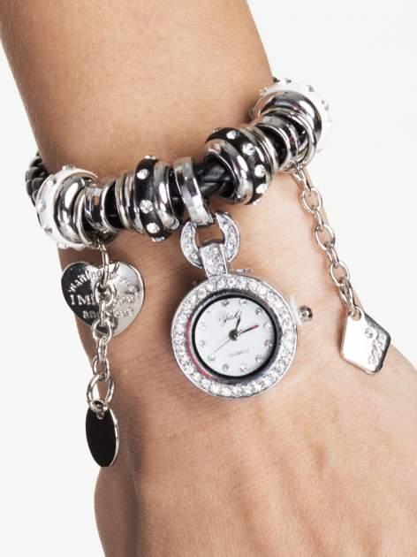 Srebrny zegarek damski z charmsami                                  zdj.                                  1