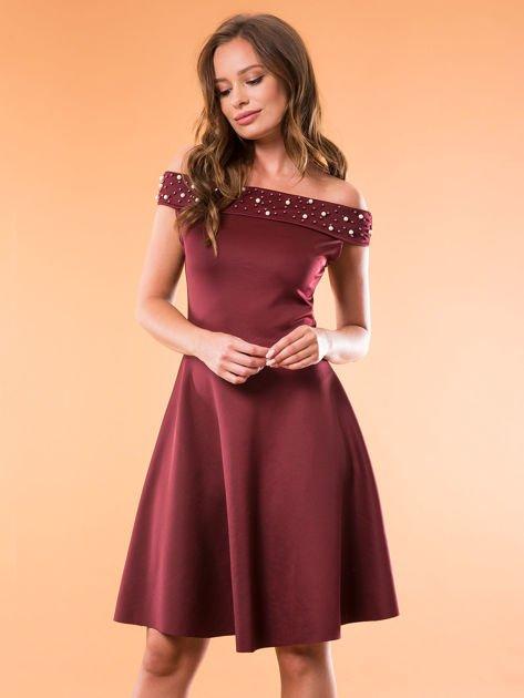Sukienka bordowa z perełkami                              zdj.                              1