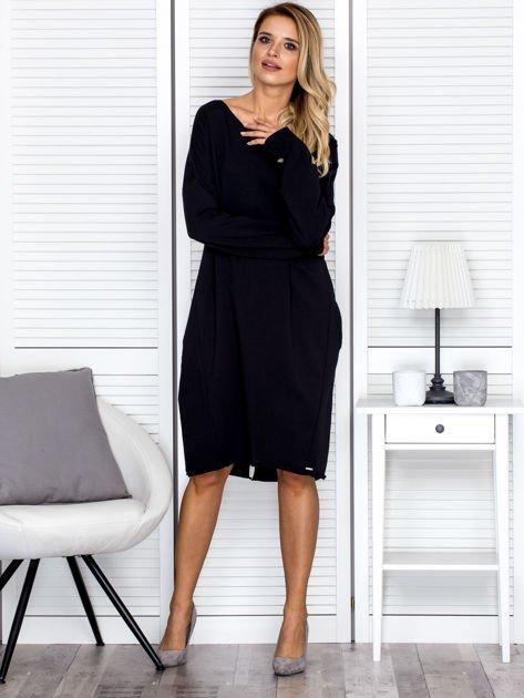 Sukienka damska dresowa o luźnym kroju czarna                                  zdj.                                  4
