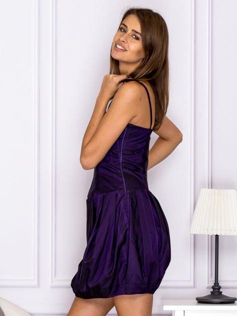 Sukienka koktajlowa gorsetowa z plisami ciemnofioletowa                                  zdj.                                  5