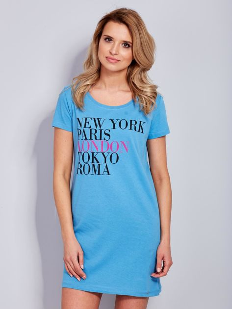 Sukienka niebieska bawełniana z nazwami miast                                  zdj.                                  2