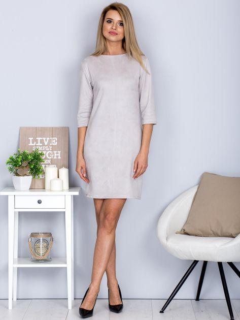 Sukienka o zamszowej fakturze jasnoszara                                  zdj.                                  4