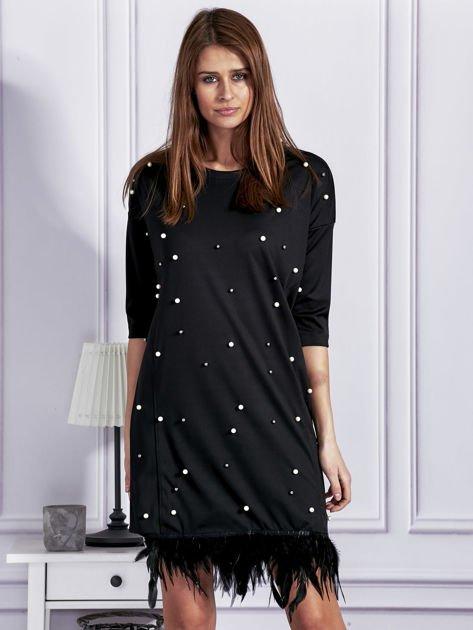 Sukienka z perełkami i piórami na dole czarna                              zdj.                              1