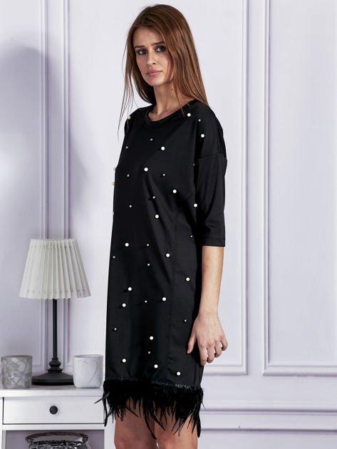 Sukienka z perełkami i piórami na dole czarna                              zdj.                              3