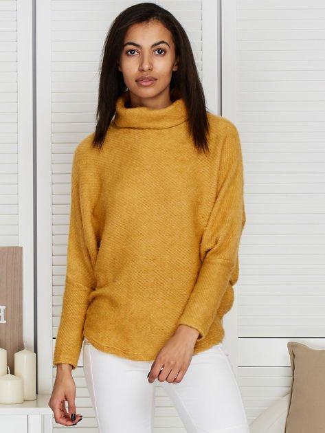 Sweter beżowy z dłuższym włosem                                  zdj.                                  5