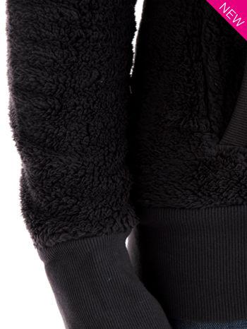 Szara bluza futerkowa z kapturem i rękawami z otworem na kciuk                                  zdj.                                  11