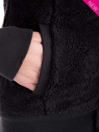 Szara bluza futerkowa z kapturem i rękawami z otworem na kciuk                                  zdj.                                  15