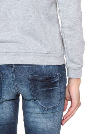 Szara bluza z nadrukiem NAJPIĘKNIEJSZA                                  zdj.                                  9