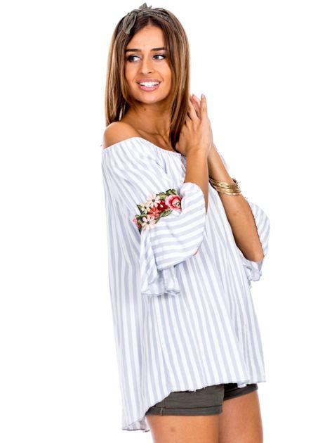 Szara bluzka hiszpanka w paski z kwiatowymi wstawkami                              zdj.                              3