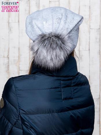 Szara czapka z błyszczącym nadrukiem i pomponem                                  zdj.                                  3