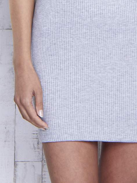 Szara dopasowana sukienka z golfem                                  zdj.                                  7