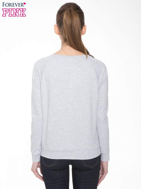 Szara dresowa bluza z nadrukiem wiewiórki                                  zdj.                                  4